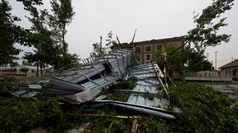 Egy régi malom teteje is leszakadt a viharban Soltvadkerten