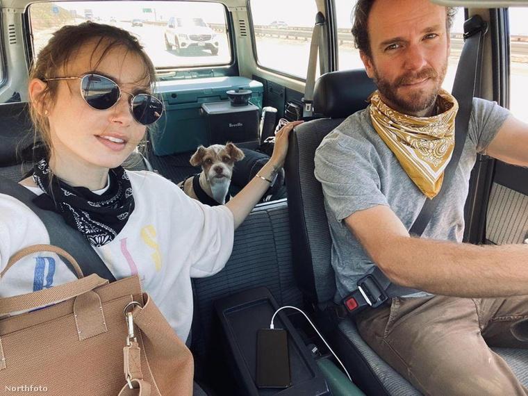Lily Collins és párja kocsikázni indultak, ahová kiskutyájuk is velük tartott.