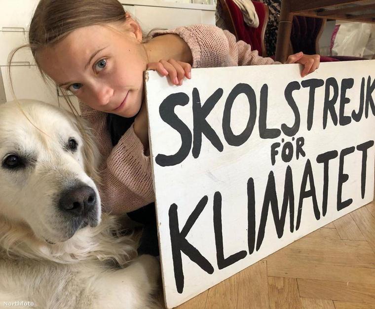 Greta Thunberg ugyancsak a kedvencével posztolt közös fotót, miközben továbbra is emlékezteti követőit, hogy a klímaváltozás nem megy vakációra.