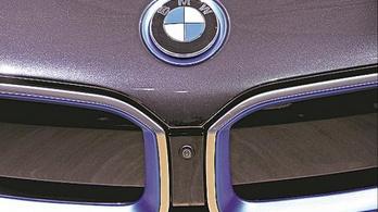 Tizenegy éve először veszteséges a BMW