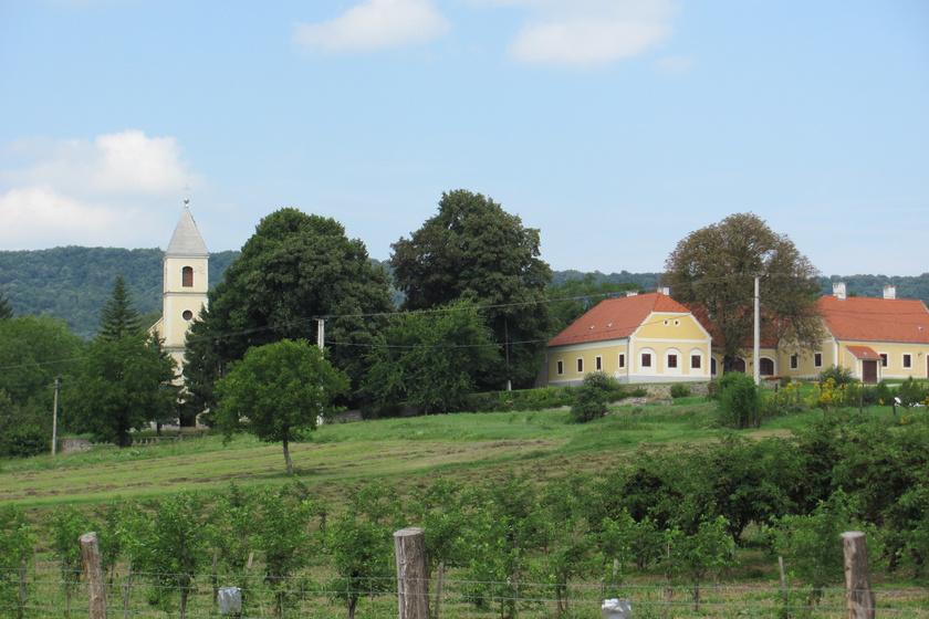 10 gyönyörű, apró falu a Keszthelyi-hegységben: a Balatontól karnyújtásnyira bújnak meg