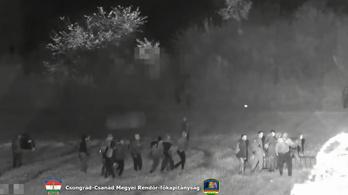 Százfős menekültcsoport akart átjutni a röszkei határkerítésen