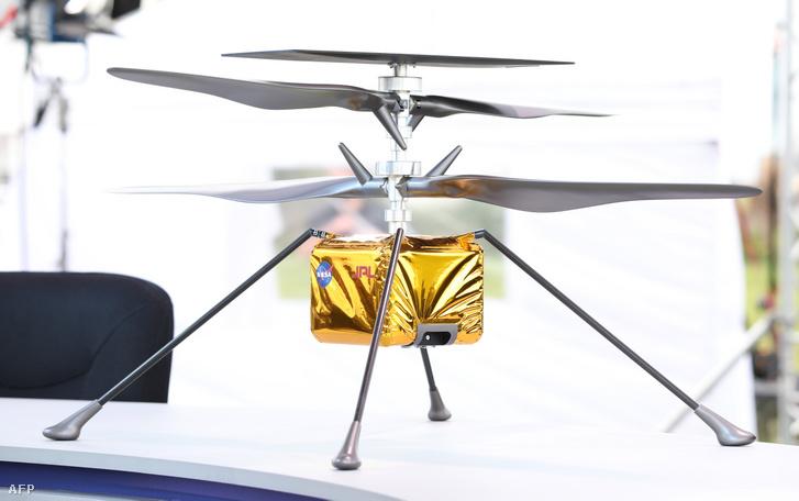 Az Ingenuity (Leleményesség) nevű drónhelikopter