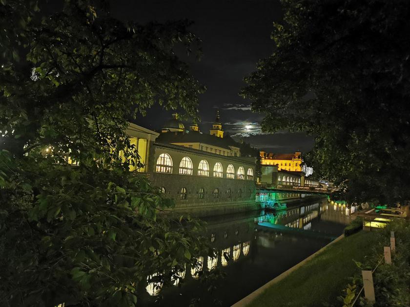 Egy este Szlovénia fővárosában, Ljubljanában.