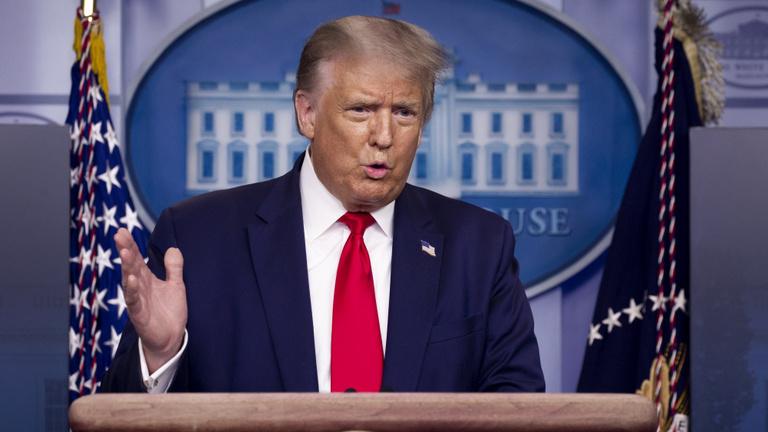 A Facebook és a Twitter félrevezető információ miatt törölte Trump egyik posztját