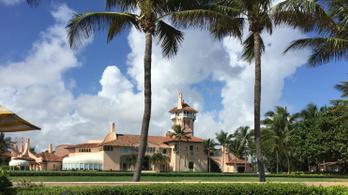 Trump floridai üdülőjének kertjébe mászott be három tinédzser, akiknél egy Kalasnyikov is volt