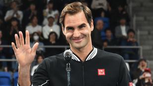 A háztetőkön, az utca fölött teniszeztek, beugrott hozzájuk Roger Federer