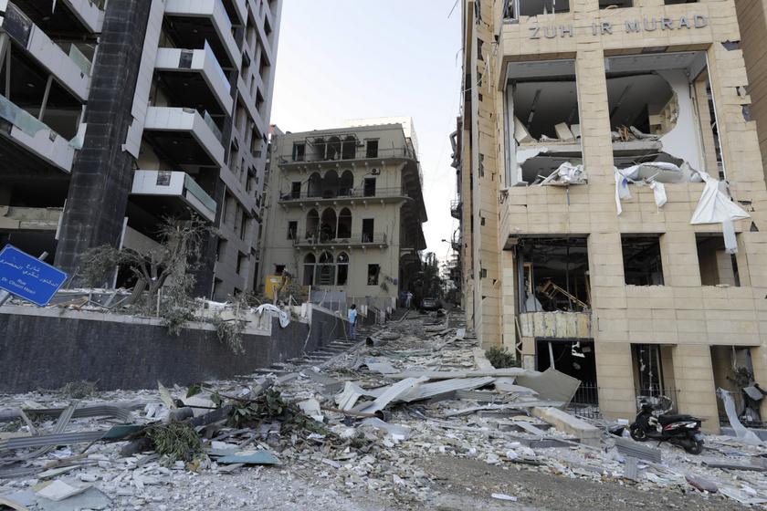 Videóra vette a robbanás pillanatát egy Bejrútban élő magyar - Lassított felvételt közölt a balesetről