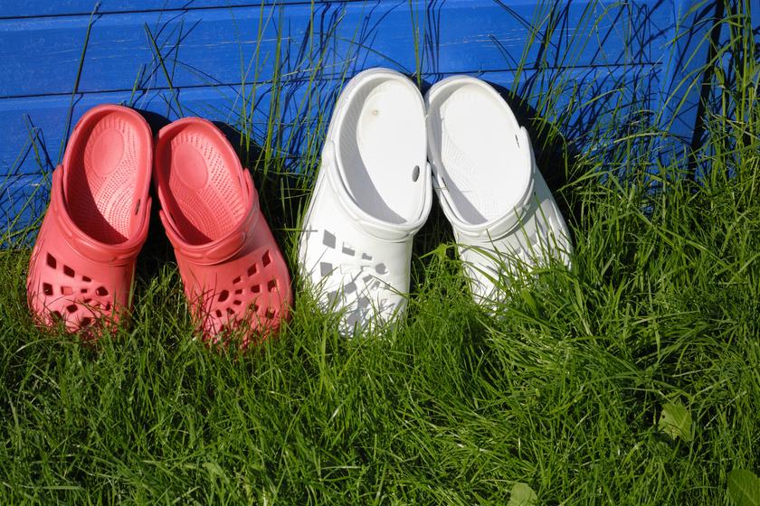 Furcsa tolvaj lopkodja a cipőket a környéken: felvétel is készült a különös elkövetőről