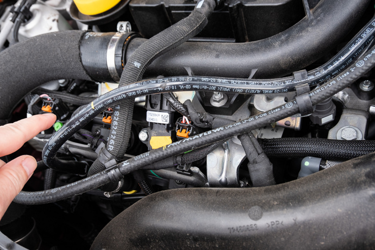 A motortérben könnyű felfedezni a Landi Renzo gázrendszer elemeit