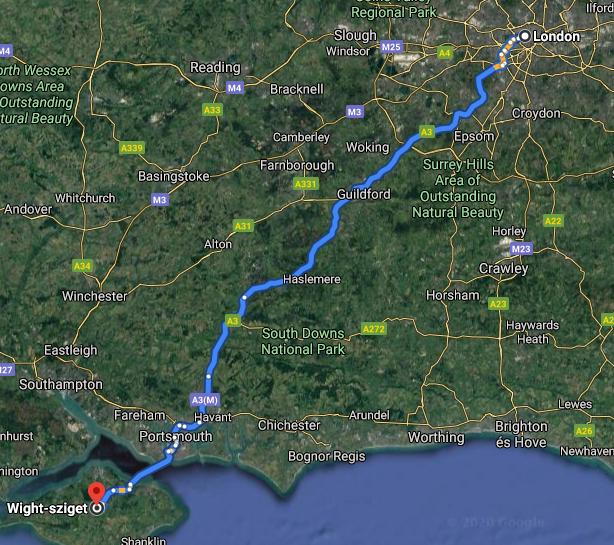 Londontól mindössze 3-4 órás autóútra található a helyszín.