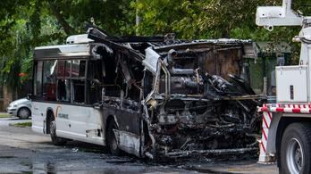 Kigyulladt egy busz Szegeden