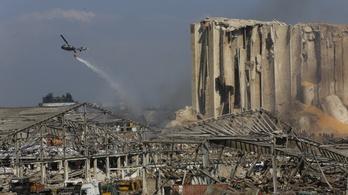 Őrizetbe vették a bejrúti kikötő vezető tisztségviselőit a keddi robbanás után