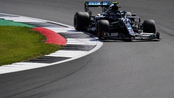 Bottas meglepte Hamiltont, és elvitte előle a pole pozíciót Silverstone-ban