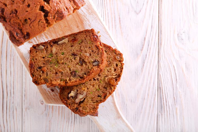 Cukkinis-fahéjas kevert süti: fantasztikusan puha, és sokáig nem lesz száraz