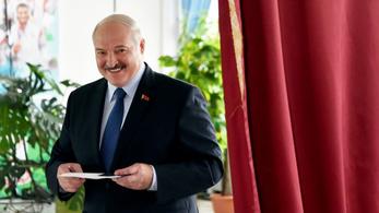 Ahogy kell, 80 százalékkal hatodszor is elnök Lukasenko