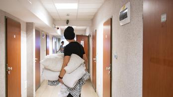 Szigorú feltételekkel költözhetnek be a diákok a kollégiumokba