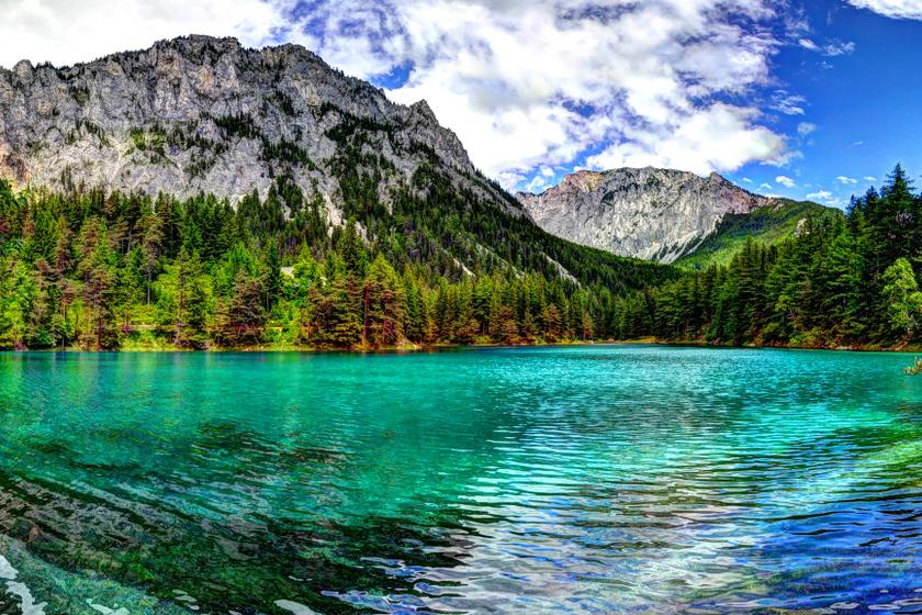 Ausztria mesébe illő, kristálytiszta tavai: alpesi kis falvakból érhetők el