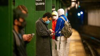 Több mint ötszáz okostelefonos app kémkedik az amerikai kormánynak