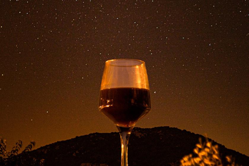 Szeretnél hullócsillagokat látni egy gyönyörű pincehegyen? A hétvégén erre is lesz lehetőség