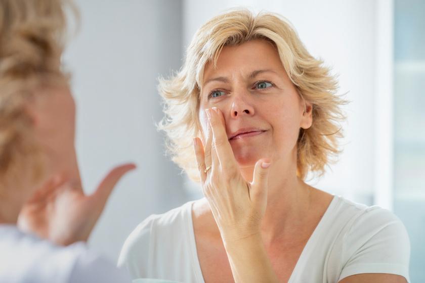 Miért a bőrápolás nagyágyúi a ceramidok, és hogyan blokkolják az öregedést? Érdemes lecsekkolni a krémekben