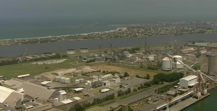 A Kooragang szigeti üzem Newcastle kikötőjében, ahol tárolnak a vegyületből