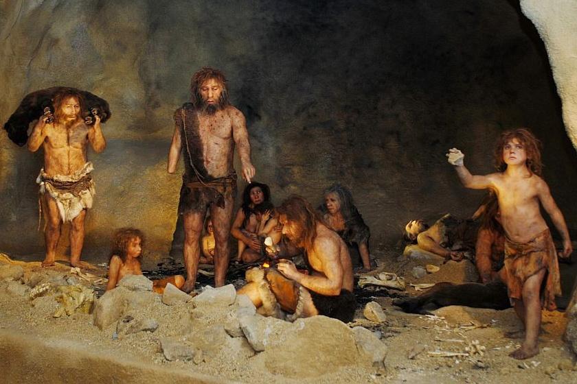 Így mutatják be a Neander-völgyiek élőhelyét a horvát Krapina Múzeumban.