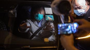 Óvadék fejében kiengedték az őrizetből Jimmy Lai hongkongi médiamogult