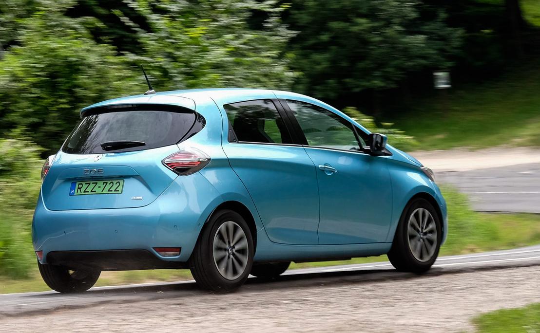 Fogyasztásban alig van a három autó között különbség, de a Zoé most, Magyarországon nagyjából kétszer gyorsabban tud tölteni