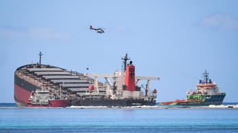Sikerült megállítani az olajszivárgást a Mauritiusnál zátonyra futott teherhajóból