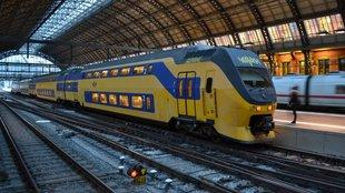 Hollandia: valahogy így kell utasbarát vasutat csinálni