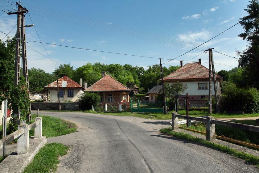 Utcakép Abaújváron.