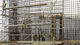 Már erősödik az építőipar, de még mindig jócskán elmarad a tavalyitól