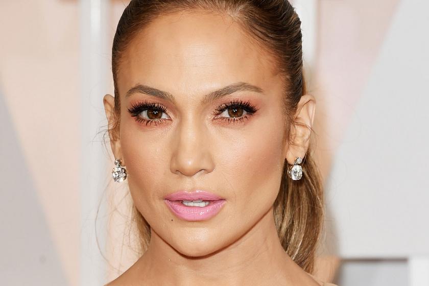 Jennifer Lopez csillogó estélyiben tündökölt a táncos műsor fináléjában: telitalálat volt a kreáció