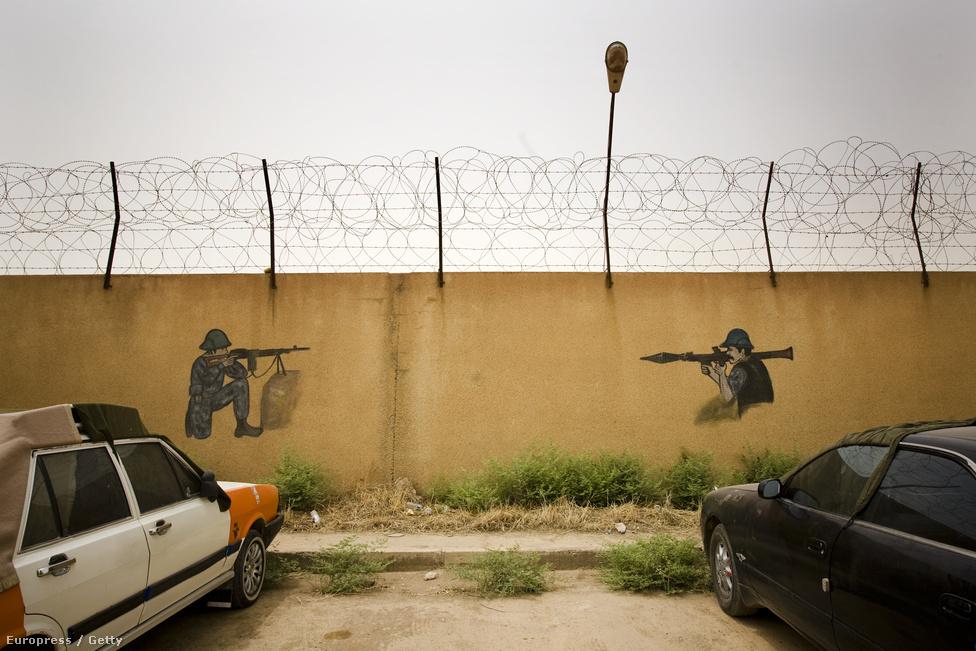 Moszul, Irak, 44. hely. Lélekszám: 1 800 000. 100 ezer lakosra jutó                         gyilkosságok száma: 35,33                         Bagdad és Bászra után Irak harmadik legnagyobb városa az ország északi                         részén. 2003-ban stratégiai bombázások célpontja volt, azóta sem                         építették teljesen újjá. Szaddám Husszein bukása óta a Közel-Kelet                         egyik legveszélyesebb helyének számít, az etnikai és vallási                         feszültség óriási, szinte mindennaposak a merényletek és támadások                         nyugatiak, keresztények és kurdok ellen. Az utóbbi években tízezrével                         menekülnek a városból Törökország és Szíria felé.