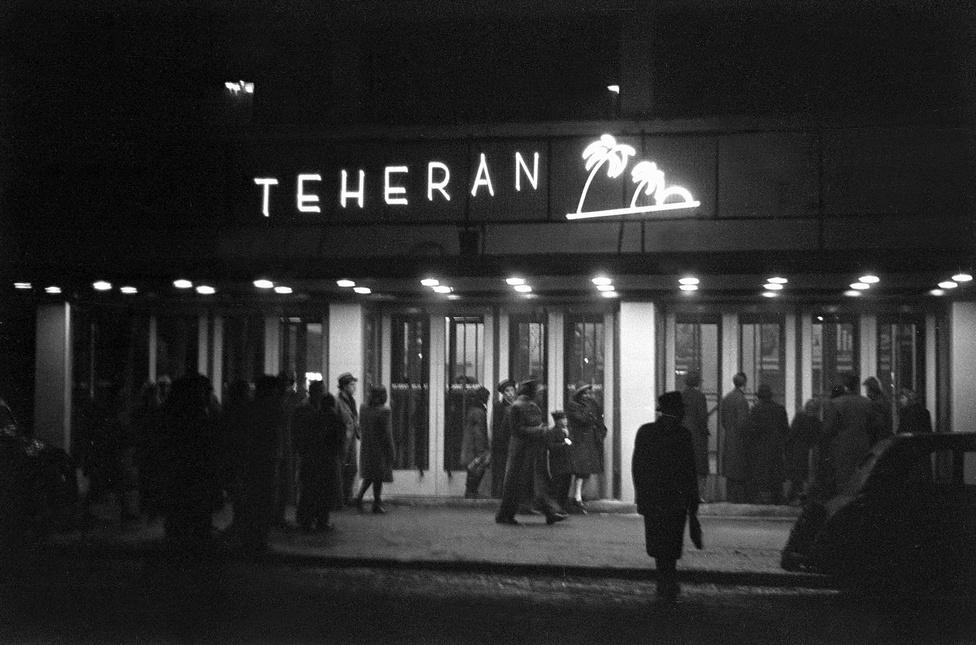 Ez a Teherán nem az a Teherán. Nem az angol film, hanem egy mulató, ami a mozi előterében üzemelt 1947-ben.