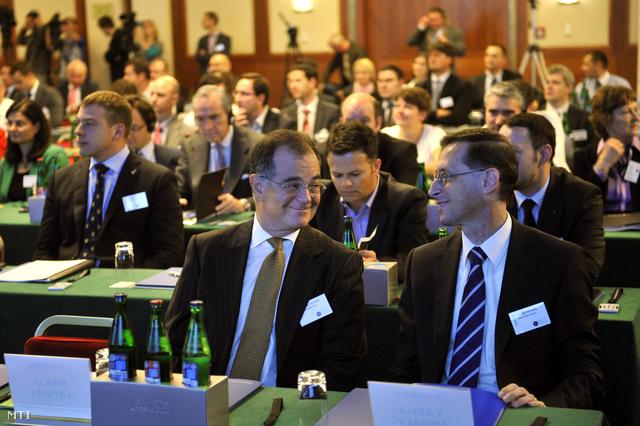 Simor András és Varga Mihály a BEF konferencián