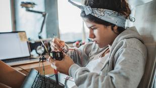 Szuperintelligens gyerekek tehetséggondozására épül a Mensa Suli+ programja