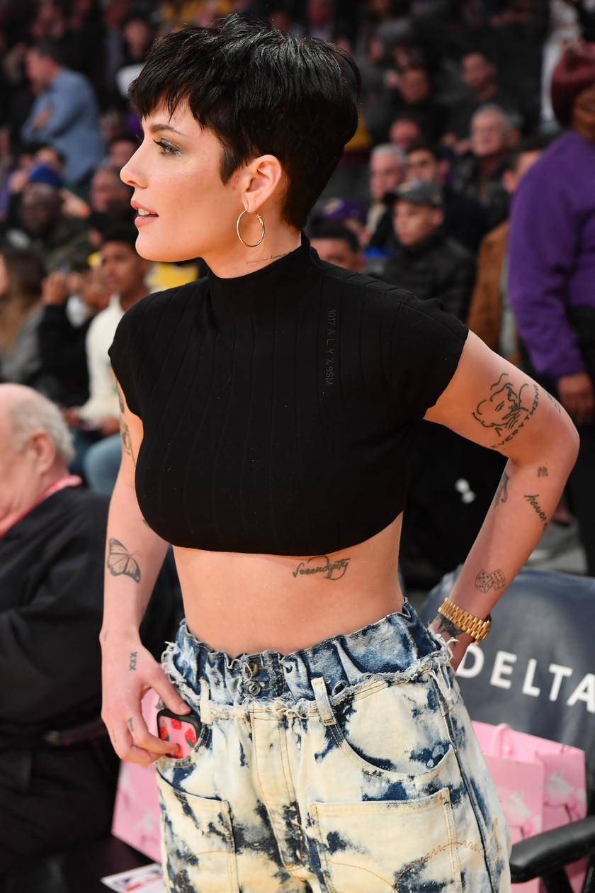 Halsey egy Los Angeles-i kosárlabdameccsen 2020 januárjában.