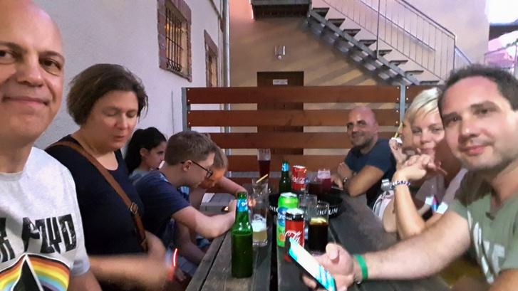 Ünneplés után a megfáradt csapat