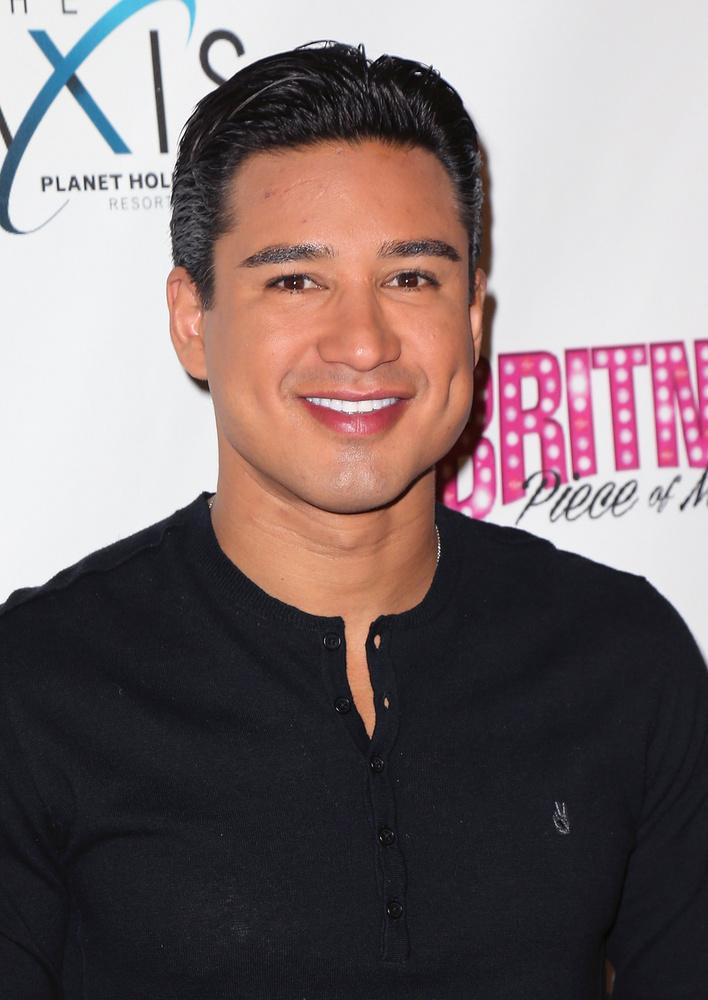 A Ranker segítségével összeállított listánk első szereplője Mario López, színész, aki  memoárjában emlékezett meg róla, hogy korábban volt egy popsztárral viszonya, aki sokak szerint nem más volt, mint Miss Spears.