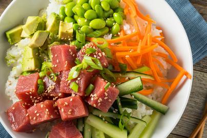 Ilyen Hawaii nemzeti étele, a poké bowl – Szuper egészséges, színes finomság