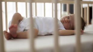 Ezért jó, ha egy szobában alszol a babáddal