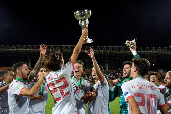 A győztes Spanyolország csapata a 2019-es U19 világbajnokságon.