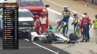 Indy 500: Alonso úgy leütközte a falat, hogy háttal csúszott be a bokszutcába