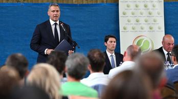 Lázár János feljelenti a teniszszövetség korábbi főtitkárát, Richter Attilát