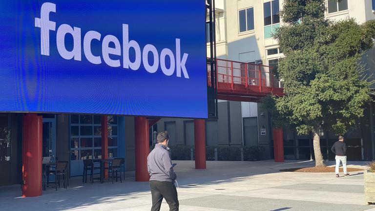 Váratlan fordulat: a Facebooknak meg se kottyant a nagy reklámbojkott