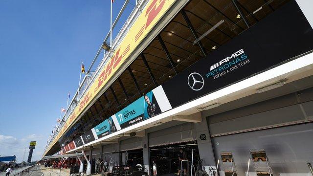 A Mercedest lőnék lábon az új Formula–1-es tiltással