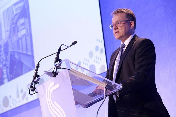 Graham Hoare, A Ford UK vezérigazgatója