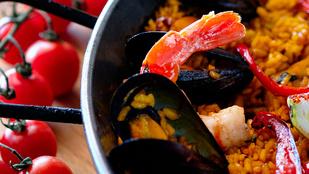 Paradicsomos-halas paella – olasz hangulat egy spanyol fogással